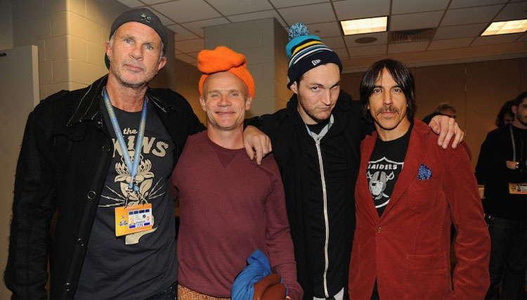 گروه Red Hot Chili Peppers رسما اولین آهنگ آلبوم جدید خود را معرفی کرد