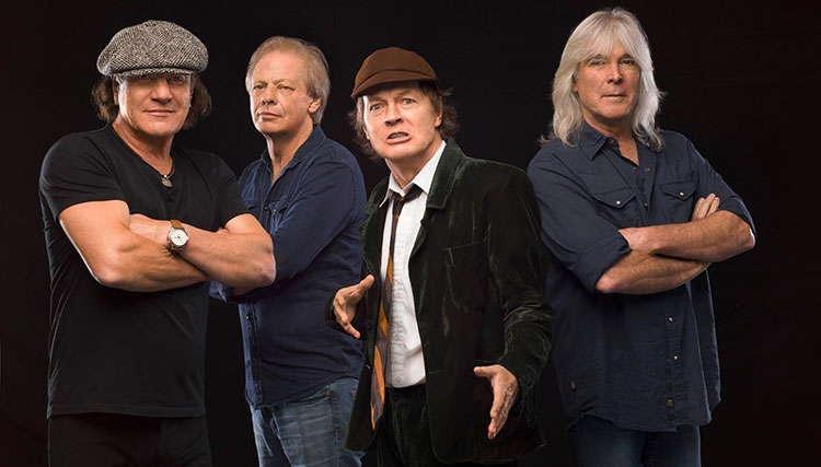 چه کسی از AC/DC حمایت می کند؟