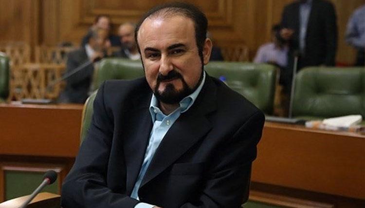 صالحی امیری در مدیریت خود هیچگاه نگاه سیاسی نداشته است