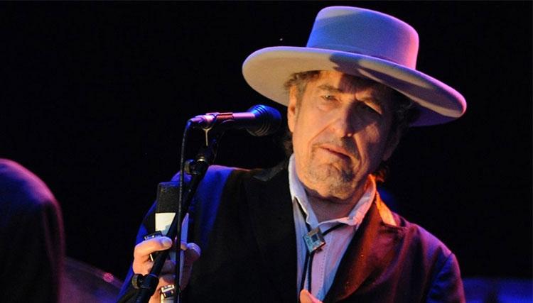 باب دیلن برای گرفتن نوبل به سوئد نمیرود