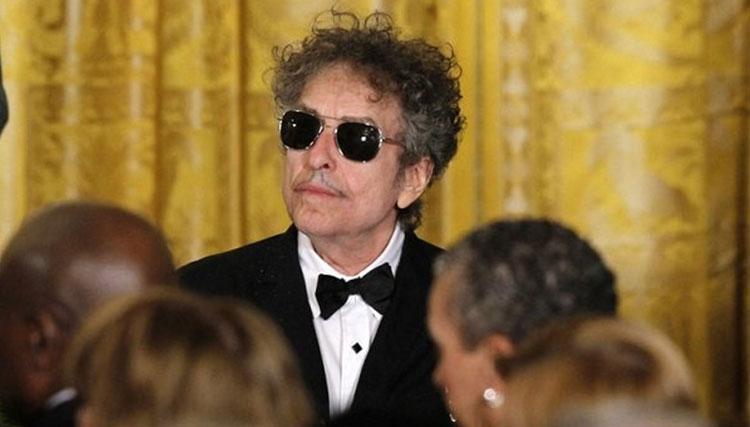 باب دیلن متن سخنرانی نوبل را نوشت
