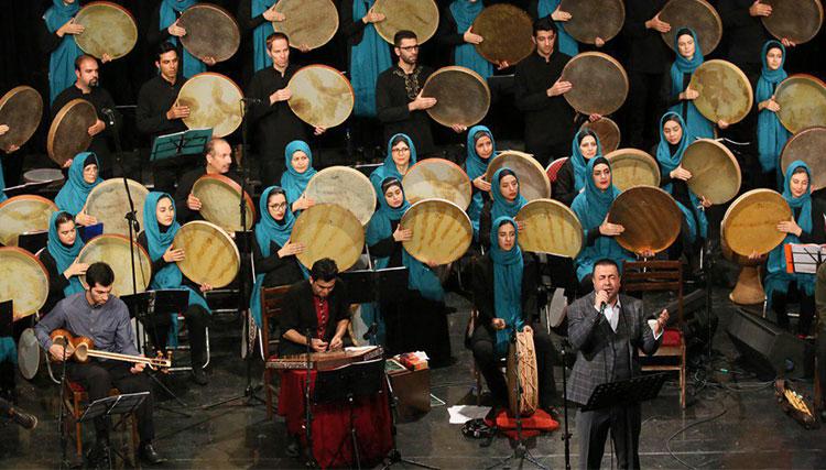 «پیام عزیزی» در جشنواره بینالمللی «دف نوای رحمت» روی صحنه میرود