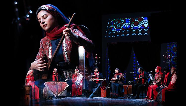 همخوانی موسیقی و اشعار کردی در کنسرت یلدا عباسی