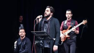 روزبه بمانی سرانجام در تهران به صحنه میرود/ نخستین اجرای «کجا باید برم»