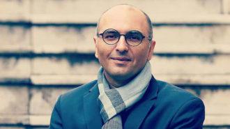 حسین علیشاپور: به ترانههای «مکش مرگ من» مجوز میدهند، به کار هنرمندان موسیقی اصیل نه!