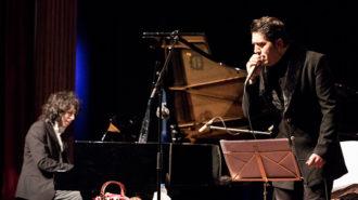همخوانی مانی و پارسا رهنما در کنسرت «شب آوازی با پیانو»