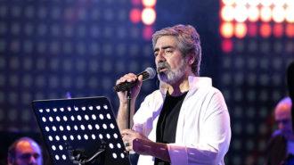 کنسرت خواننده «داغ دوری» پس از ۱۷ سال/ حسین زمان: چقدر نبودن روی این صحنه سخت بود