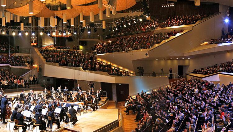 در پی شیوع کرونا؛ ارکستر فیلارمونیک برلین سایت خود را رایگان کرد
